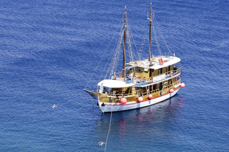 Ribic 10 cabins 20 pax Trogir 3