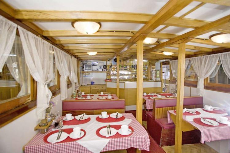 Ribic 10 cabins 20 pax Trogir 8
