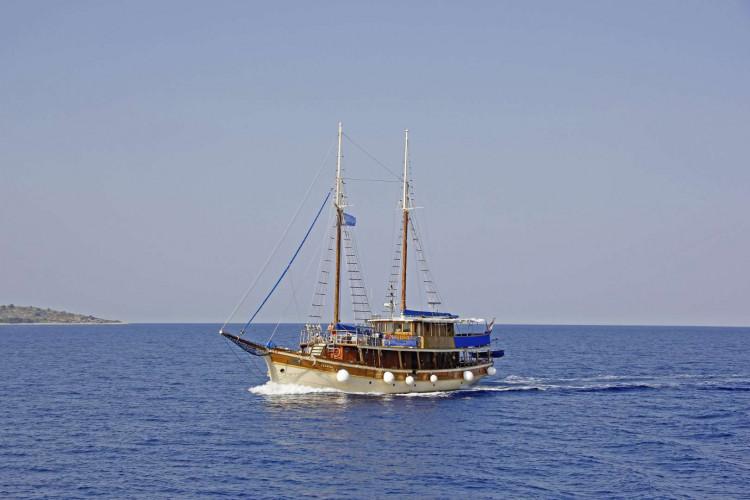 Sagena 8 cabins 18 pax Zadar 4