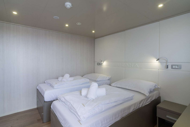 Suzana 19 cabins 40 pax Rijeka 35