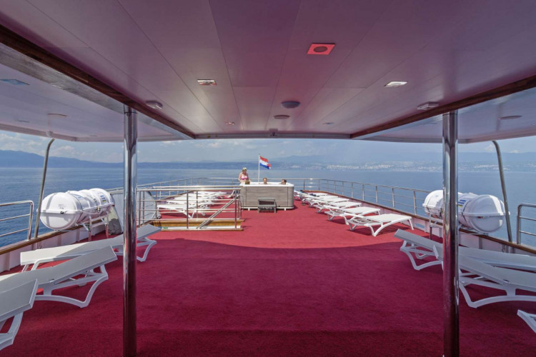 Suzana 19 cabins 40 pax Rijeka 70