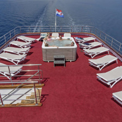 Suzana 19 cabins 40 pax Rijeka 72