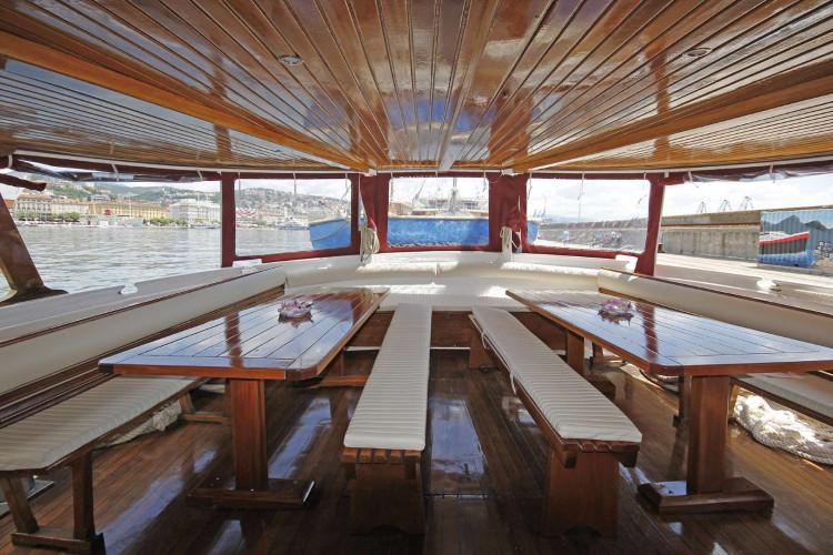 Sveti Vid 37pax 16cabins Rijeka 17