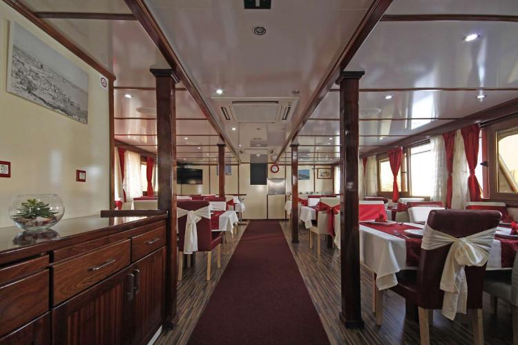 Vita 18 cabins 38 pax 25
