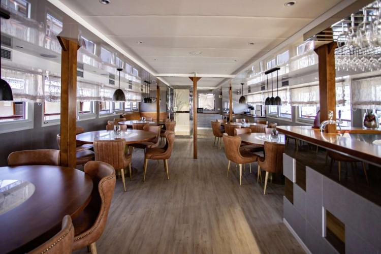 Voyage 18 cabins 38 pax Zadar 11