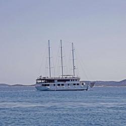 Voyage 18 cabins 38 pax Zadar 3