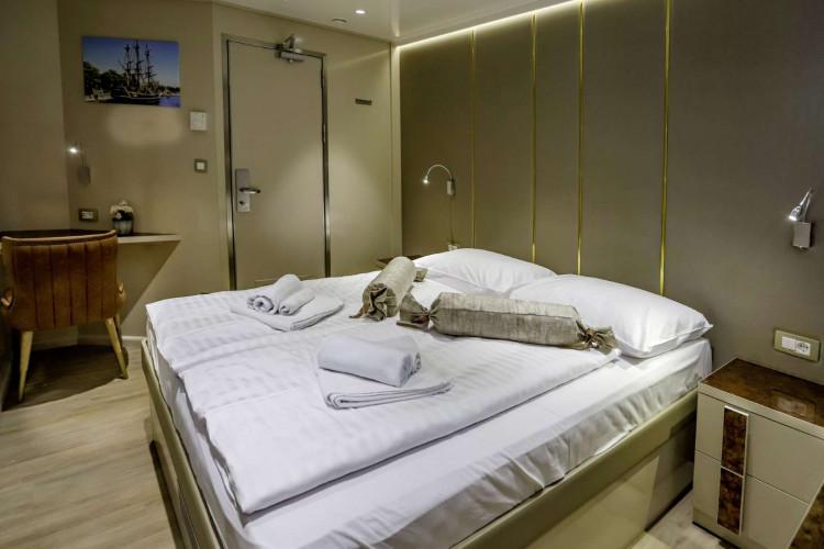 Voyage 18 cabins 38 pax Zadar 33
