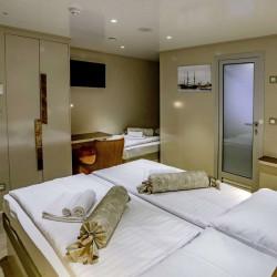 Voyage 18 cabins 38 pax Zadar 39