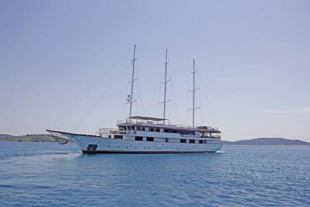 Voyage 18 cabins 38 pax Zadar 40