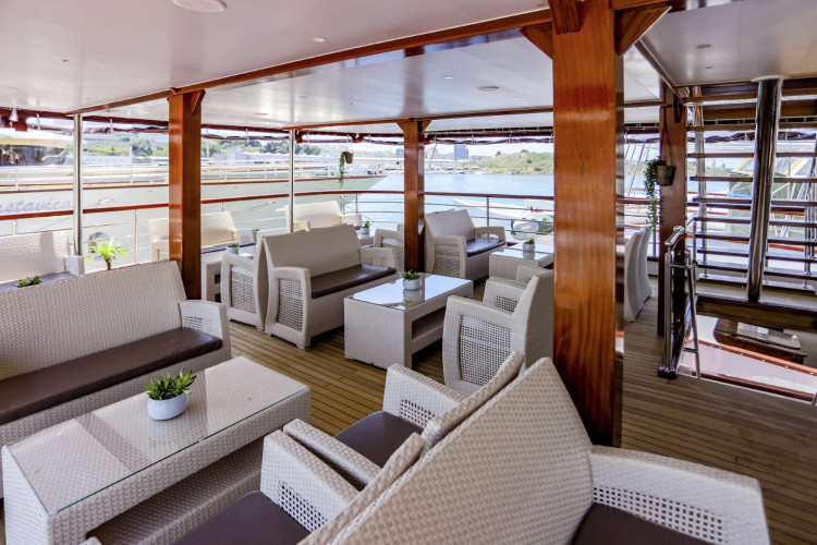 Voyage 18 cabins 38 pax Zadar 7